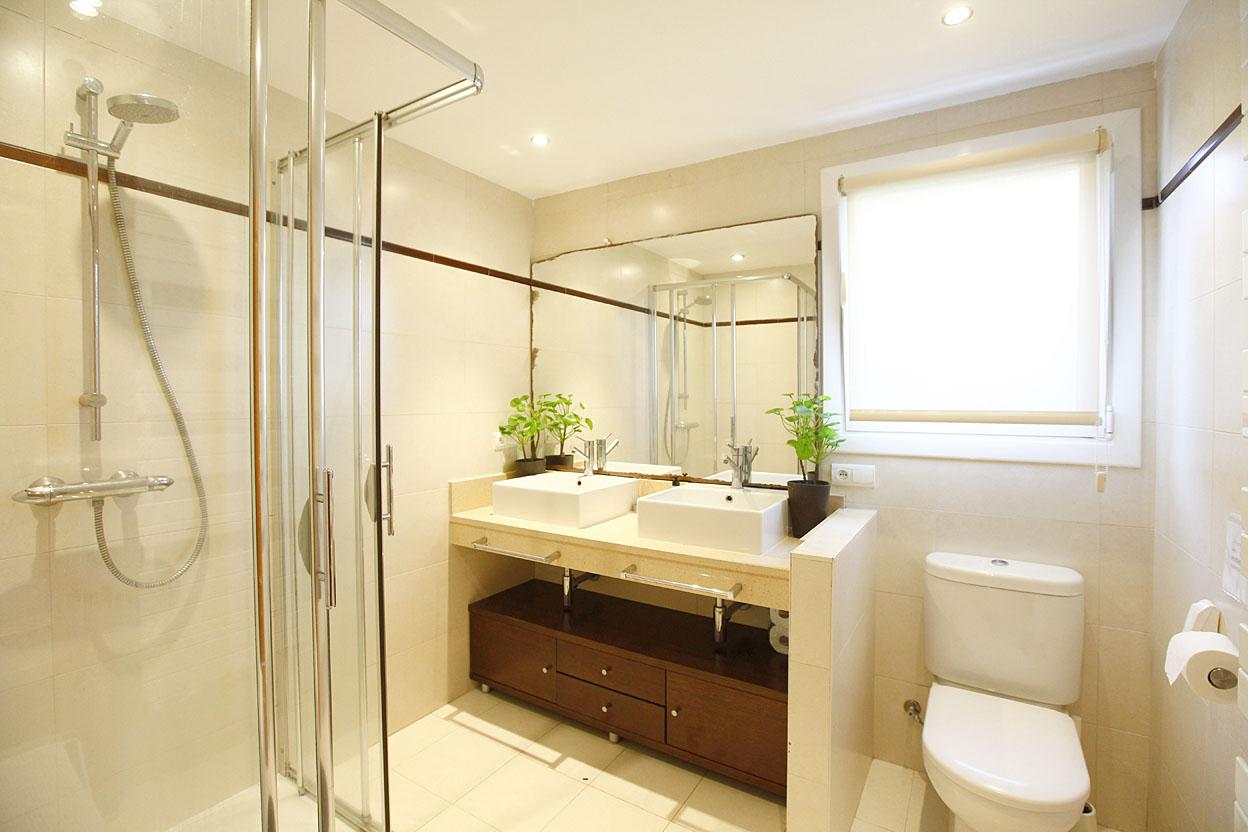 Precioso piso de 3 habitaciones cerca de la playa con jardín privado de 100m2.