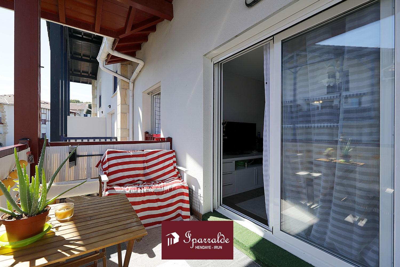 T4 con terraza, garaje y piscina en Hendaya (64)