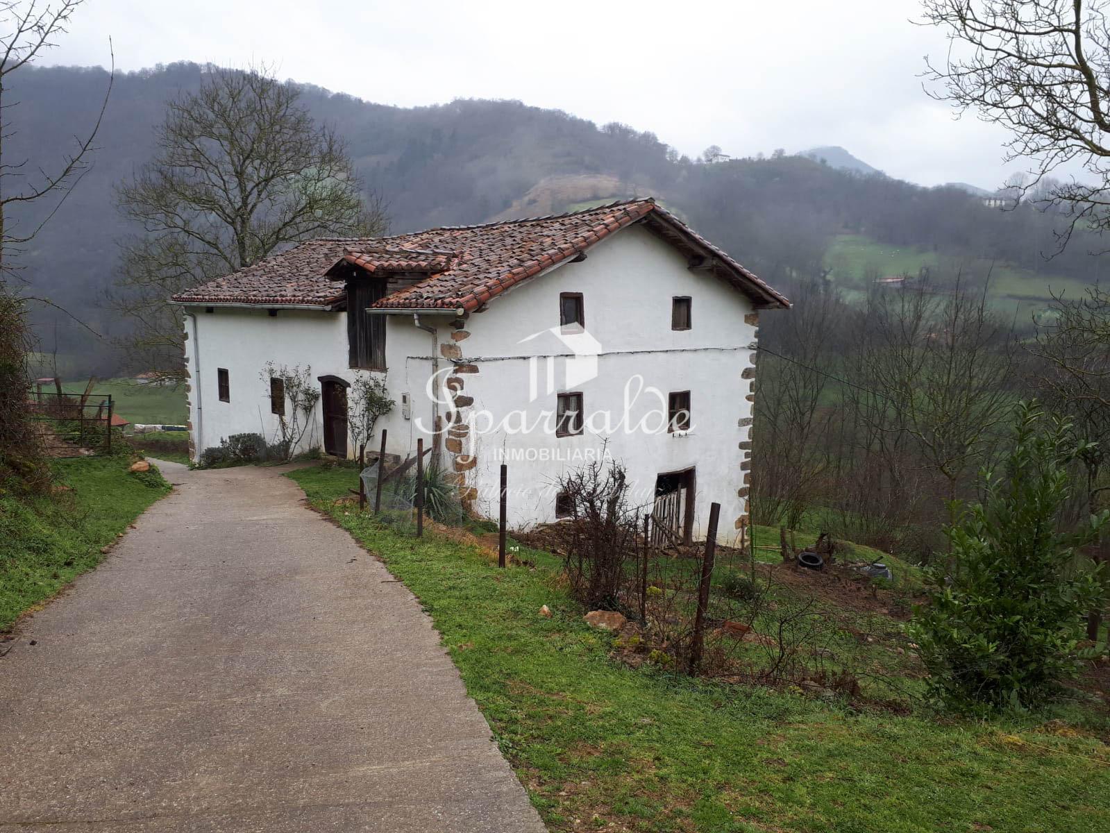 Casa individual en plena naturaleza y con vistas espectaculares.