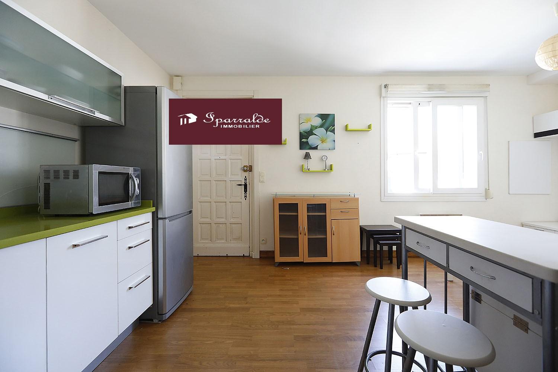 Coqueto apartamento en Villa a 5 minutos en coche de la Playa de Hendaye.