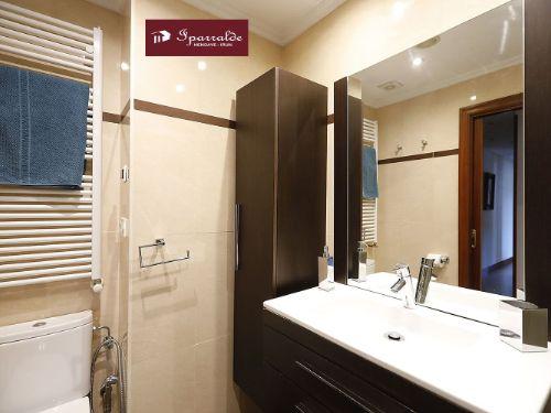Hermoso piso de 111 m2 útiles en el barrio de Dunboa de Irún. Ideal para familias.