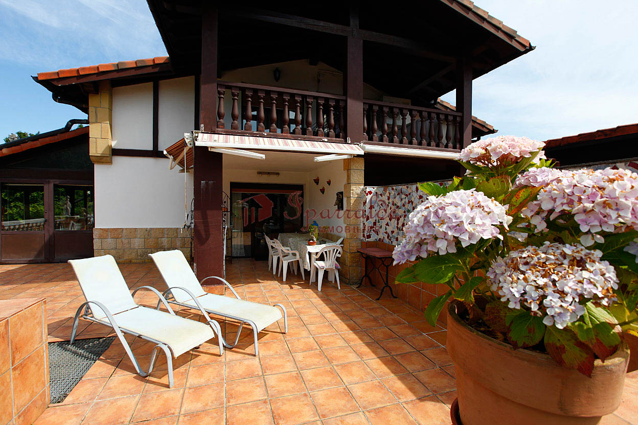 Bonita casa adosada en Hendaia.