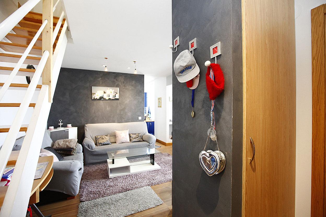 Vente d' appartement de type T3 refait à neuf au centre-ville d' Hendaye.