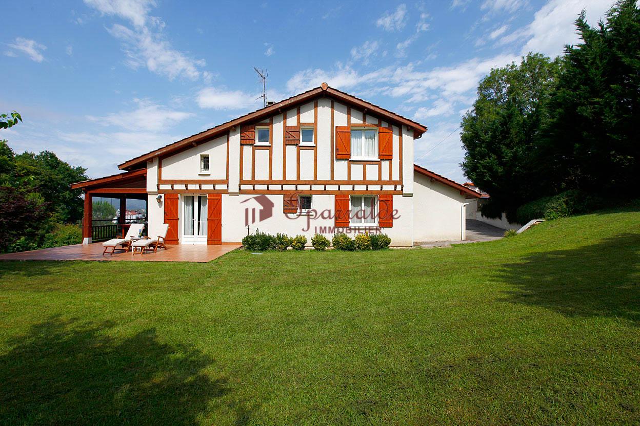 Se vende preciosa villa Individual de 4 habitaciones con vistas a la ...