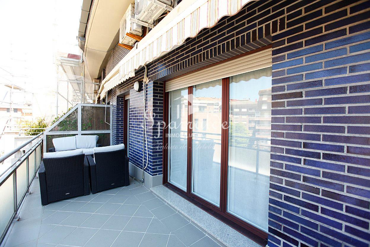 Precioso DÚPLEX de 100m2, y terraza de 20m2 orientada al sur, en el ...