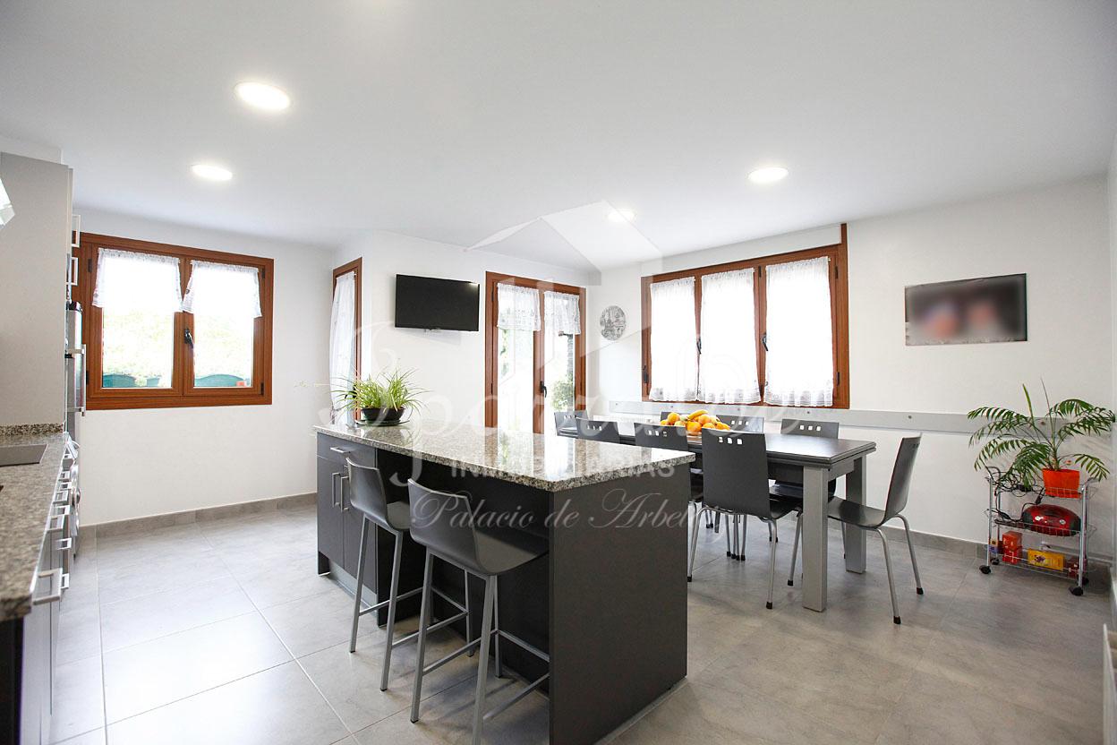 Preciosa y amplia vivienda de 138m² con habitaciones espaciosas y toda exterior