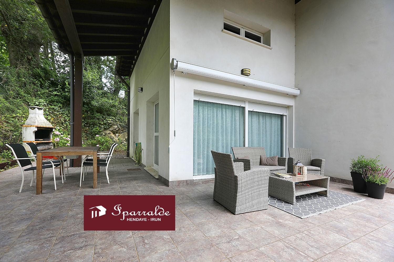 Espectacular villa de estilo contemporáneo en Biriatou con posibilidad de piso independiente.