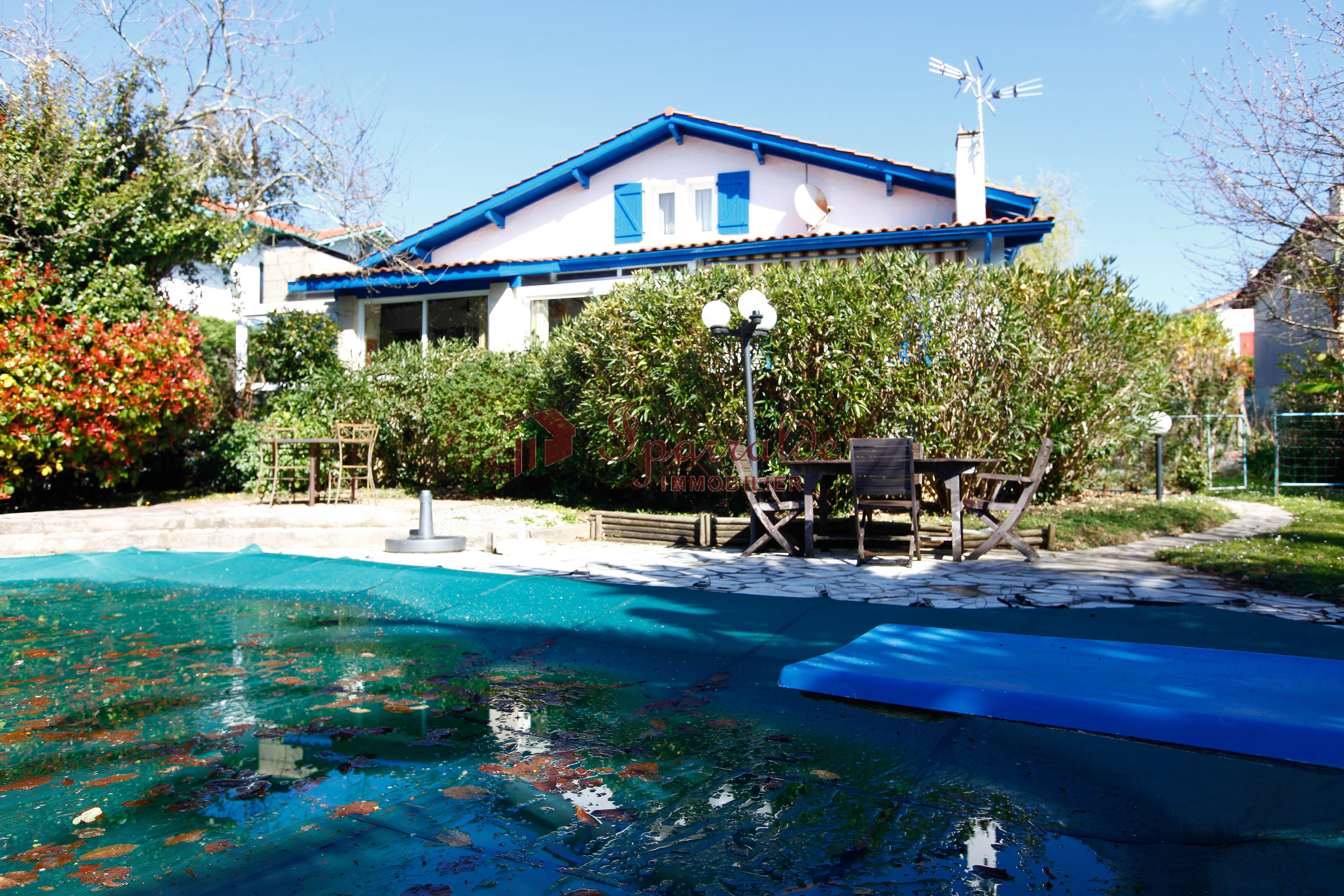 Magnifica villa a 10 minutos andando de la playa!