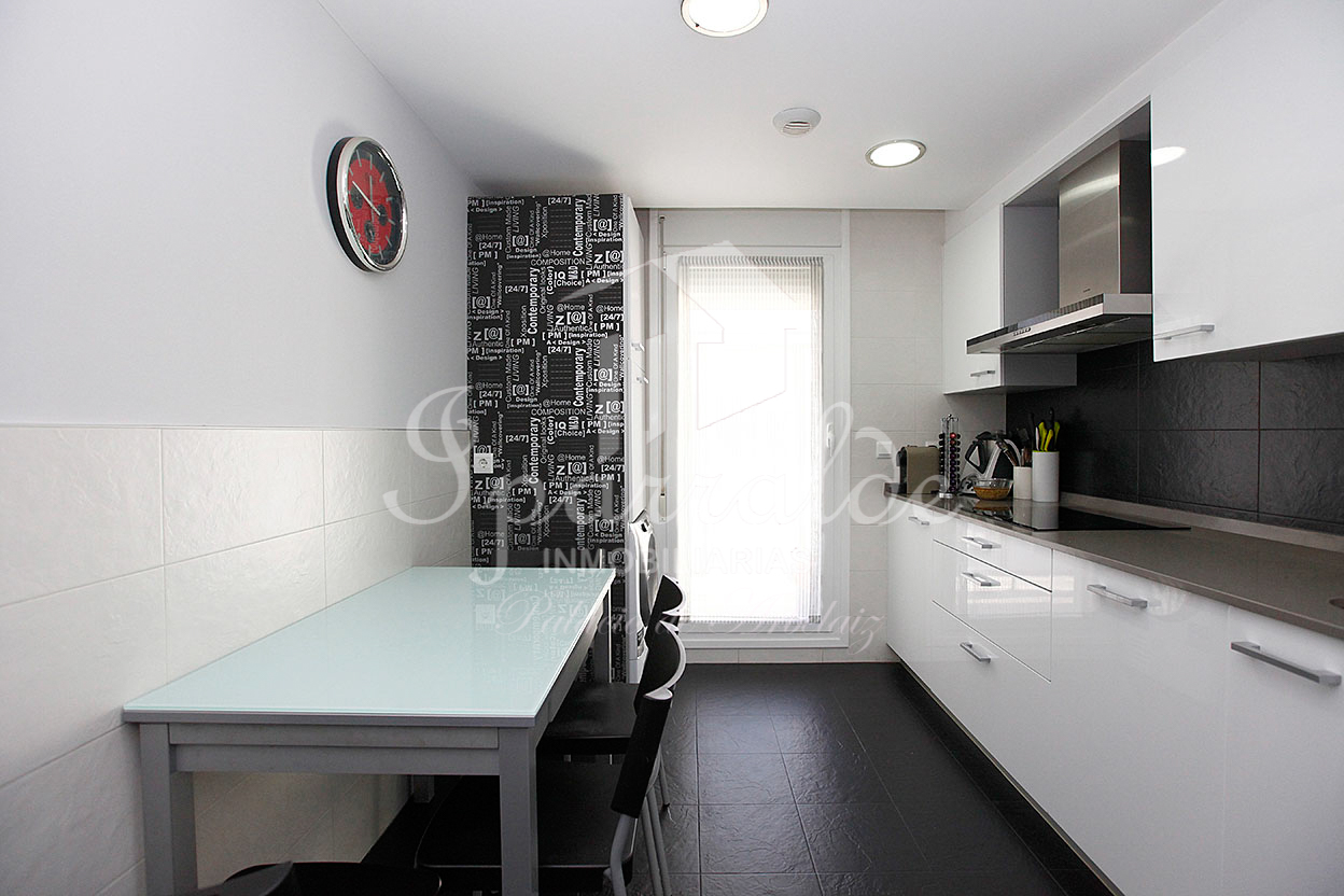NUEVO PRECIO !!: Exclusiva vivienda de 125 m2, altas calidades Y en zona PLAZA ISTILLAGA con dos soleadas Terrazas de 125 m2.