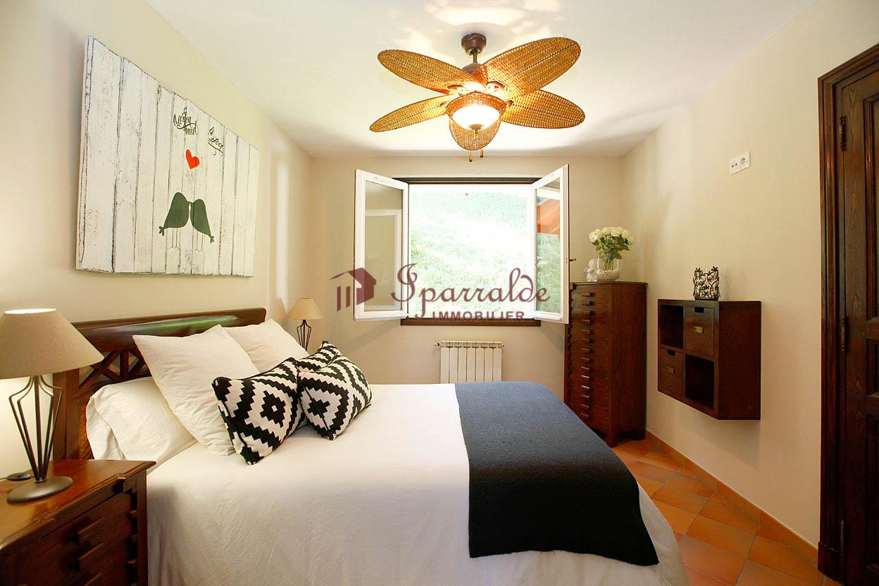 Se vende preciosa Villa situada al lado de Hendaye, en Biriatou.