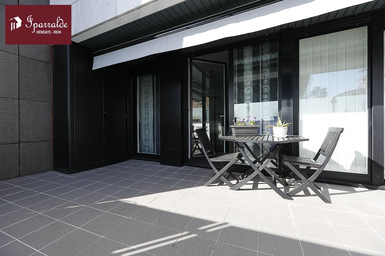 Precioso piso de 80 m2, en pleno centro de Irún, con terraza de 26 m...