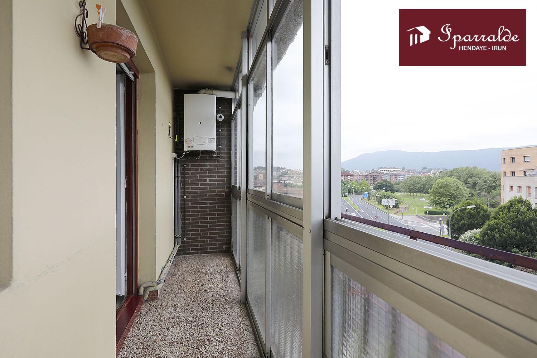 Bonita y amplia vivienda en Artia, próxima a Palmera Montero