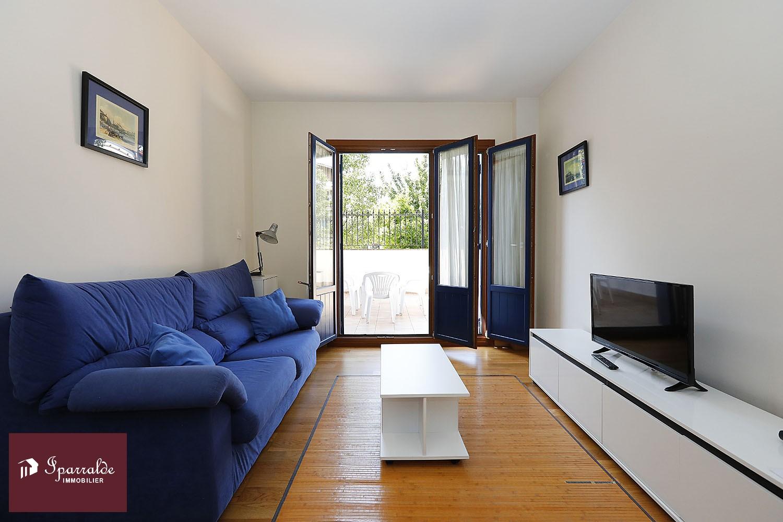 Precioso  apartamento con terraza de 38m2 en el centro Histórico de Hondarribia