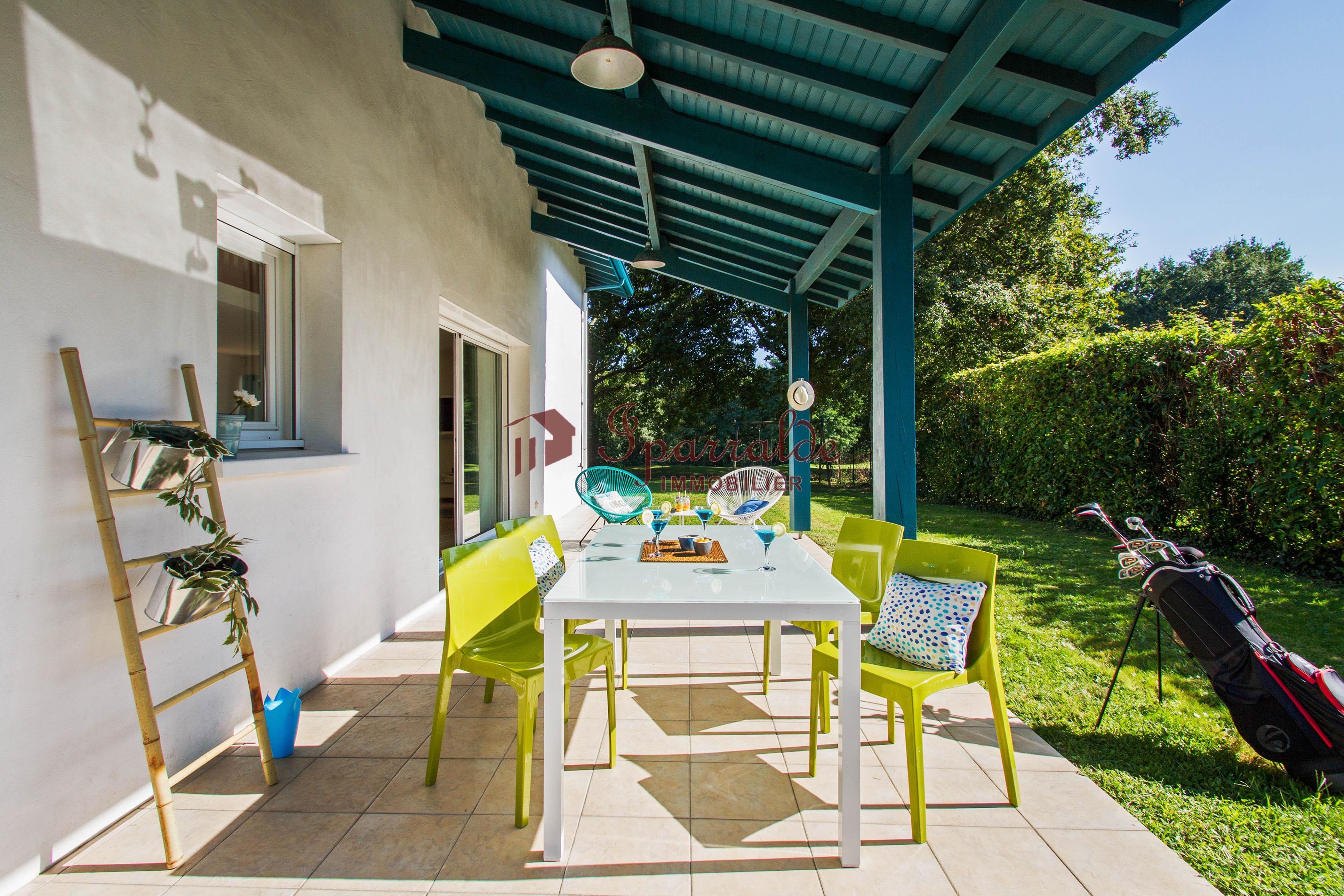 Villa Individual de 6 habitaciones sobre parcela de 4000 m2 en la zona más exclusiva de URRUGNE.