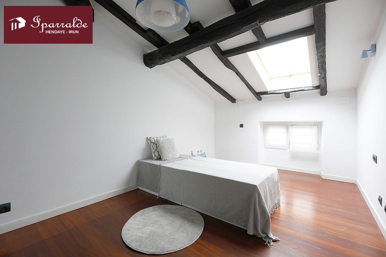 Coqueto piso abuhardillado en zona céntrica y muy tranquila de Irún