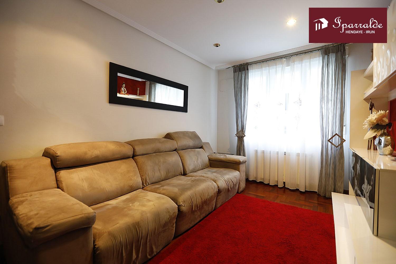 IMPECABLE vivienda de tres habitaciones, en zona céntrica de Irún