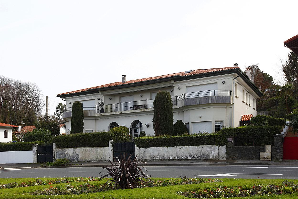 Venta de exclusivo dúplex en Hendaya en edificio emblemático con maravillosas vistas y a dos pasos de la Bahia de Txingudi.