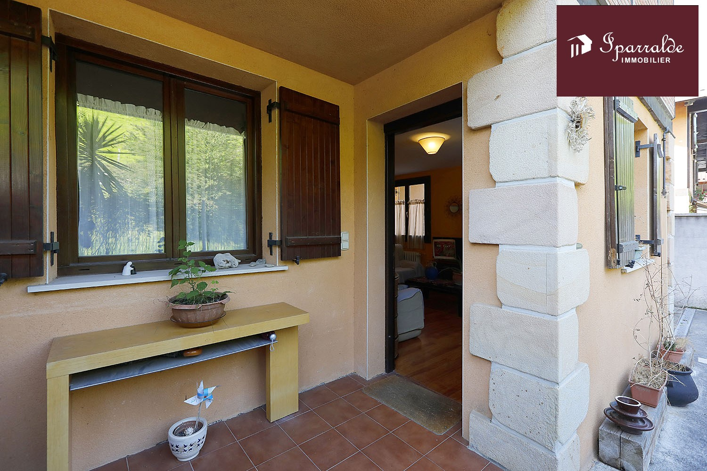 Bonito Chalet adosado con Jardín y Terraza en venta en LESAKA, a 19kms de Hendaya (64)