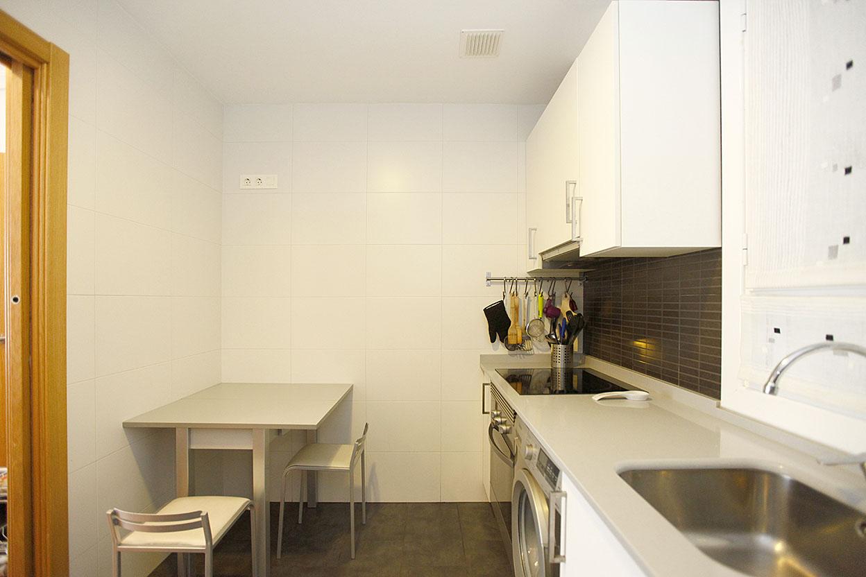 Bonito piso de 68 m2, en la zona de Palmera Montero. Posibilidad de garaje cerrado ( 15 m2), justo debajo del edificio.