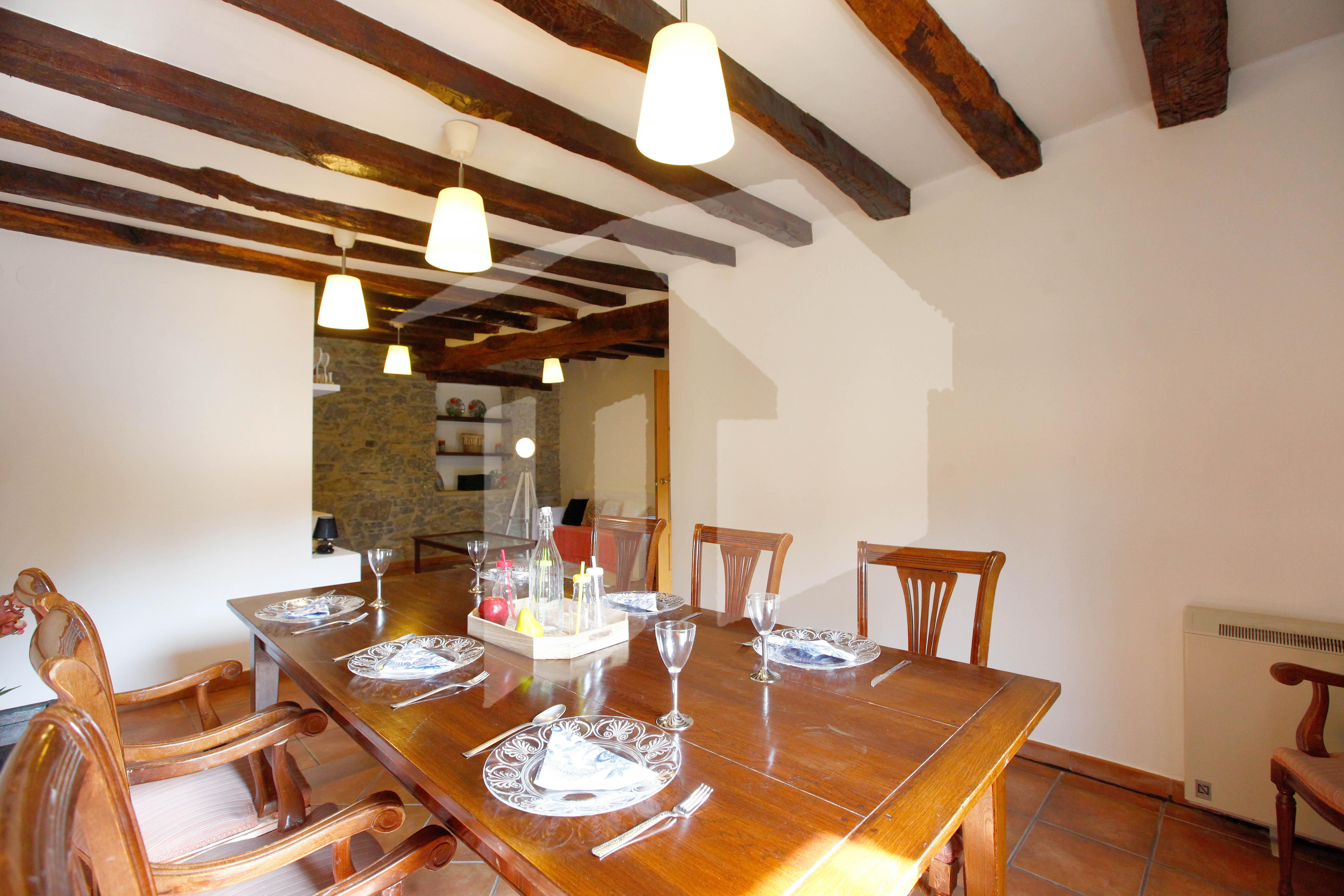 Bonito piso de 78 m2 en el barrio de Artia. Muy luminoso y con  tres balcones y bonitas vistas.