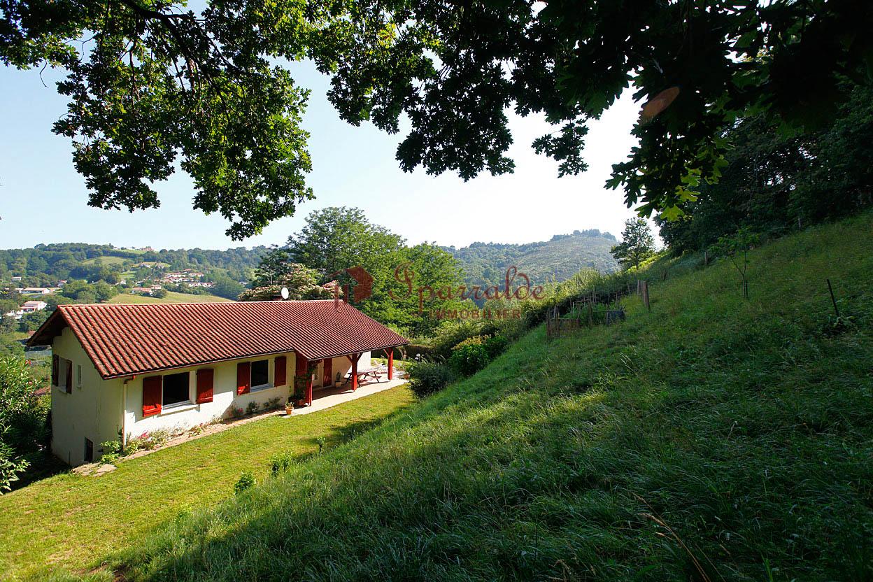 Preciosa villa al lado de Hendaye, en Biriatou.