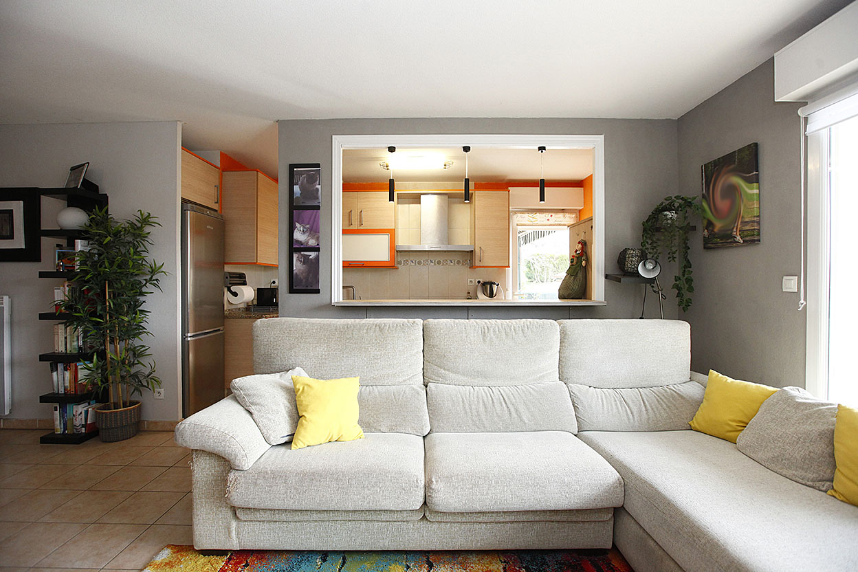 A la venta en Hendaia, bonito piso de 3 habitaciones de 80m2 con terraza de 28m2 oriantada al sur.