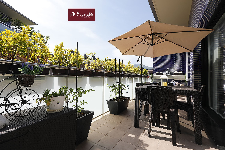 Plaza Juan Wollmer: Precioso dúplex de 105 m2  y en última planta del edificio + soleada terraza