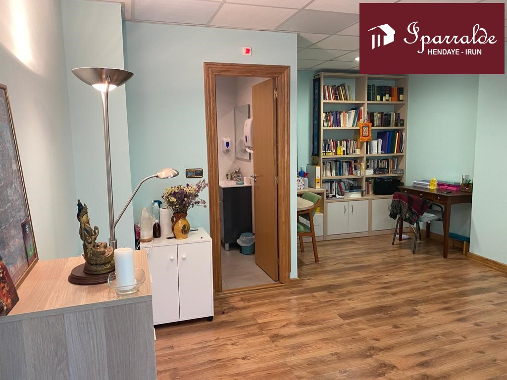 Local de 35 m2 en el barrio de Anzarán de Irún