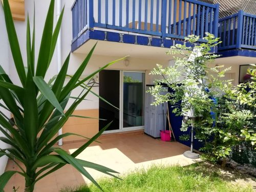Piso de una habitación a 700 metros de la playa de Hendaia en residencia con piscina comunitaria.