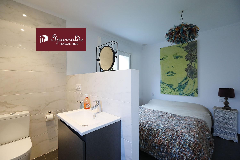 Exclusiva Villa Individual de estilo Contemporáneo en el barrio de Hendaye Plage.