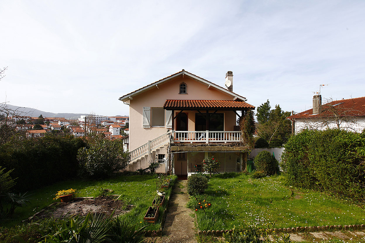Villa de 232 m2 cerca del centro de Hendaia