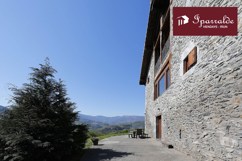 Espectacular propiedad del siglo XVI totalmente reformada en Igantzi