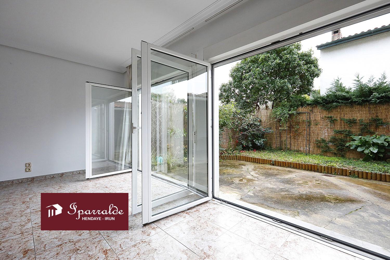 Preciosa Villa de 122 m2, Jardín y Terraza en zona residencial de Hendaye.