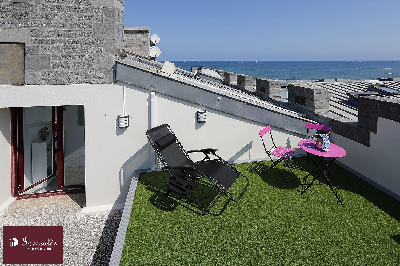 Apartamento de tipo T3 en primera línea de Hendaya Playa (64) + Terraza + Parking + Trastero. Vistas.