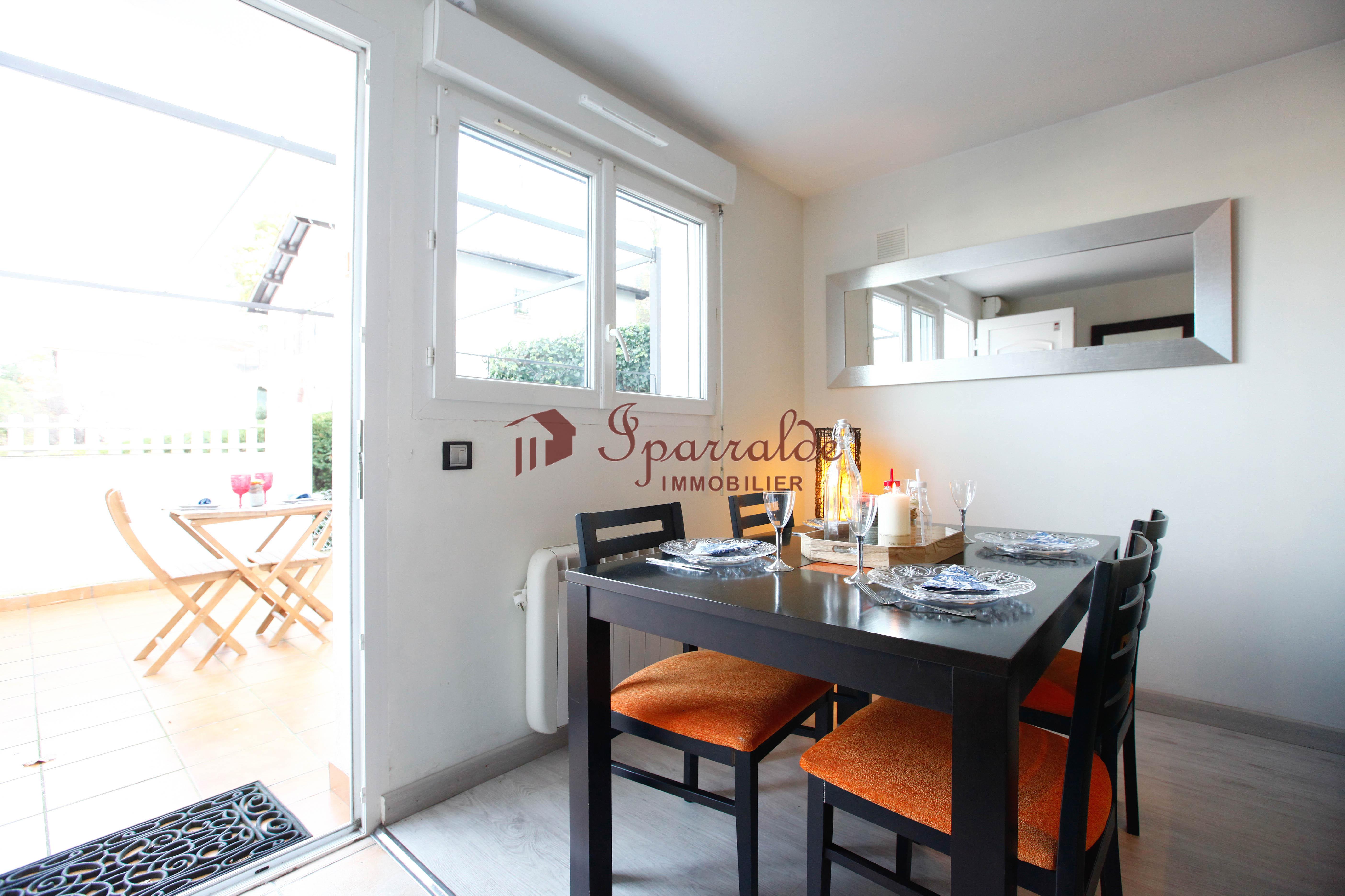 Piso de 1 habitación con terraza y vistas espectaculares!