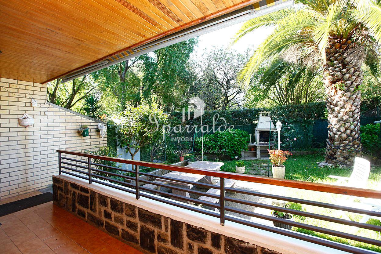 Casa adosada, perteneciente a una urbanización de 8 viviendas adosad...