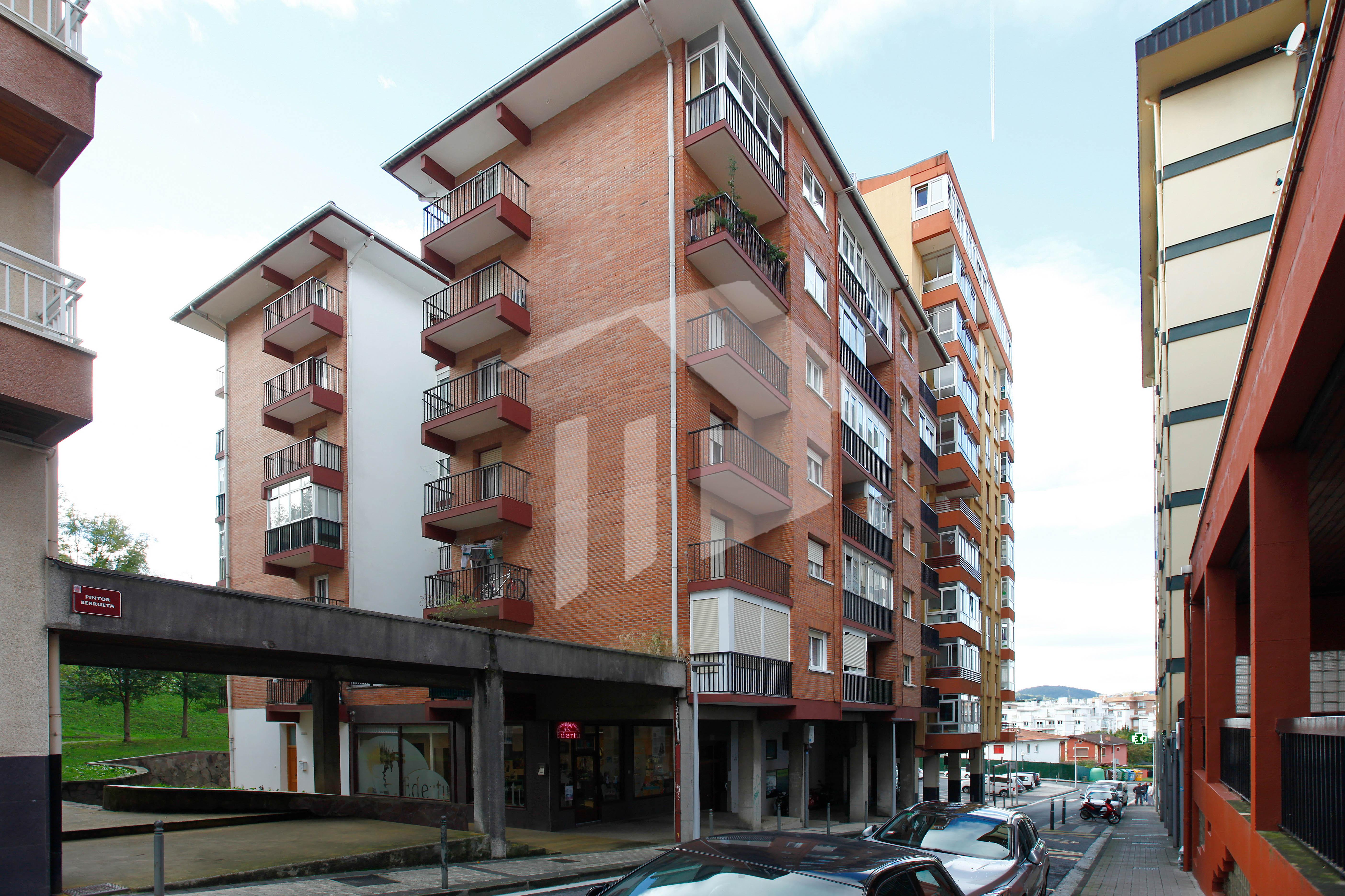 Preciosa vivienda de 70 m2 compuesta de 3 habitaciones dobles, 2 terrazas y vistas.