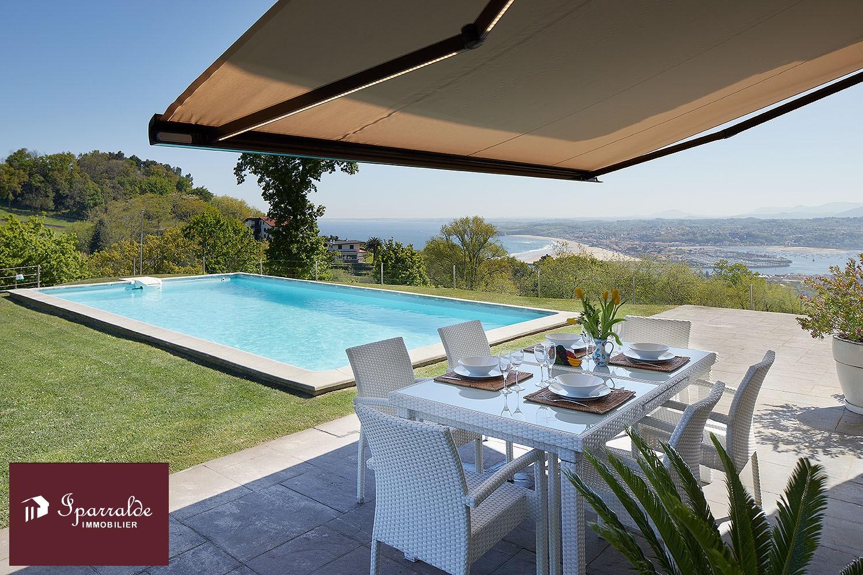 Hondarribia: Villa bifamiliar de 253,89m2, T5 con impresionantes vistas, para comprar