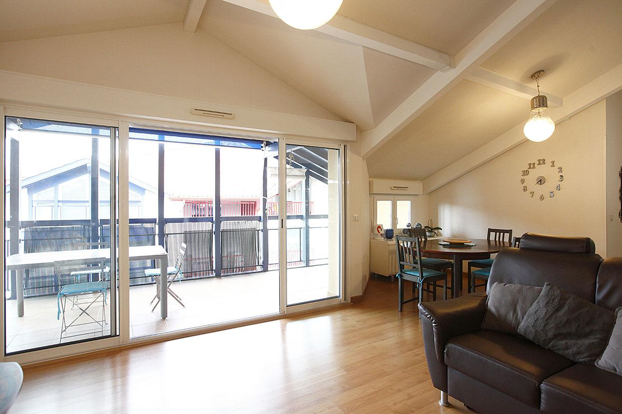 A la venta precioso piso de tres habitaciones, zona centro con garage y trastero.